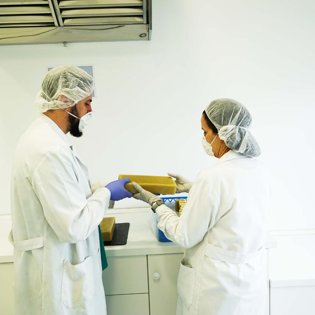 Equipo fabricación a terceros aventura cosmetica natural